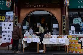 Coronavirus Scare Leaves China's Empty Restaurants Selling Off Stocks