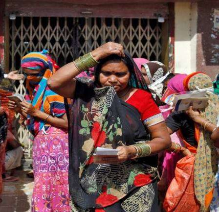 India's small businesses struggle to pay wages amid coronavirus lockdown